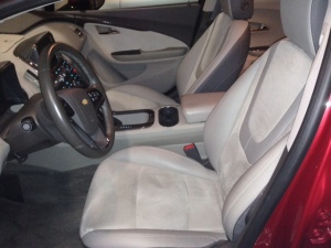 2014 VOLT Suede Leather front seats